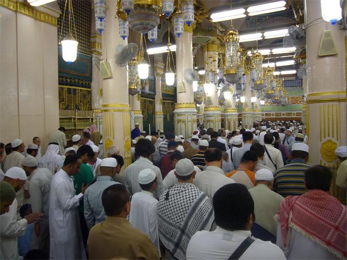Raudhah Tempat Mustajab Berdoa Di Masjid Nabawi