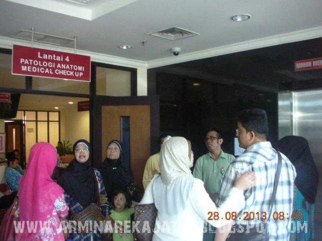 foto pemeriksaan kesehatan jamaah haji plus 2013 arminareka perdana 04 www.arminarekajatim.blogspot.com